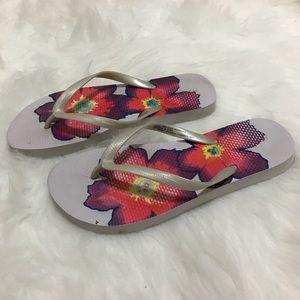 Floral Flip Flop from 🎯 Target Size 5/6